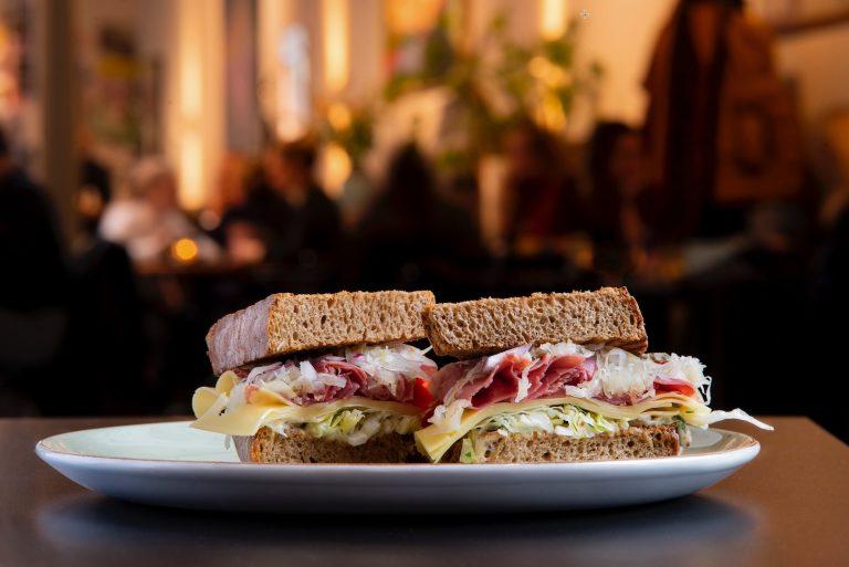 11 Best Restaurants in Echo Park For Lunch