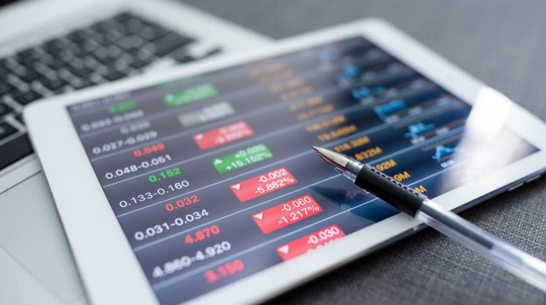 The Difference Between IPO and Direct Listing – Explained