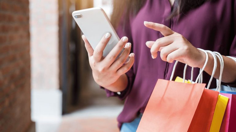 What is Omnichannel Commerce and Why It's Important for Brands in 2021