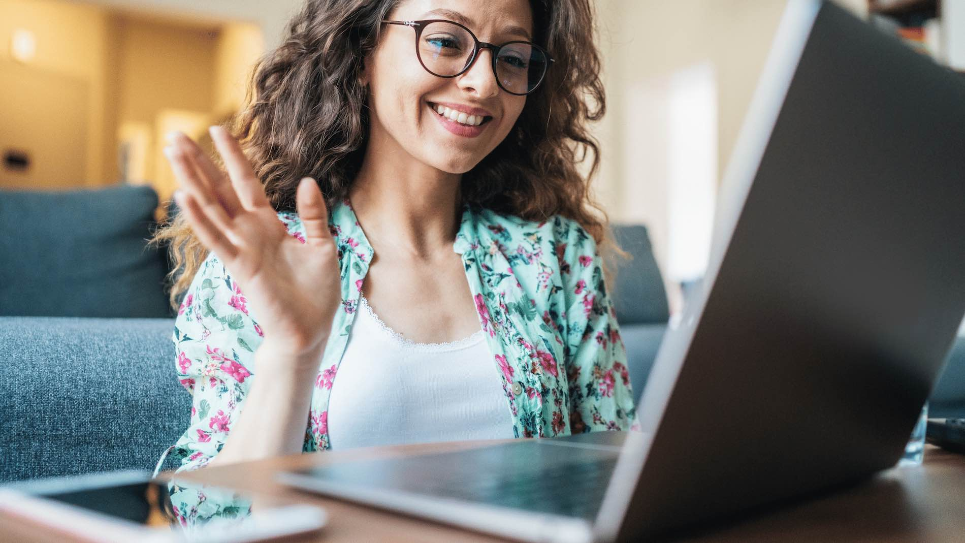 How to Virtually Recruit New Employees (Step-By-Step Guide) - Conversation