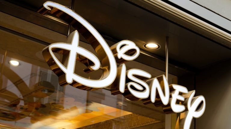 Disney's NFC Tech Switch from MagicBands to MagicMobile: Is It Any Better?